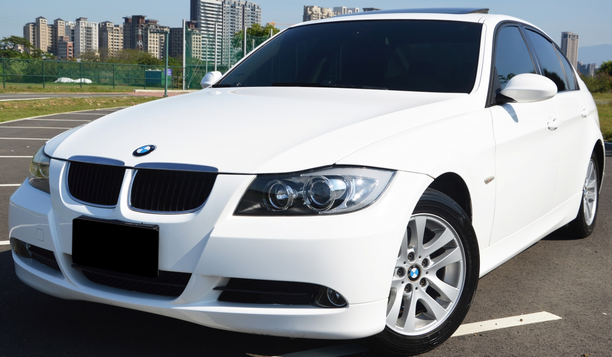 BMW 320I 一手車 原漆 省油省稅金 5人座