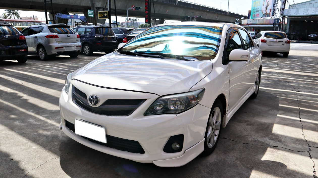 2011年 Toyota Altis Z版 白色 豐田中古車