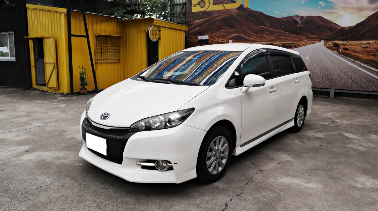 2013年 Toyota Wish 白色 豐田中古車