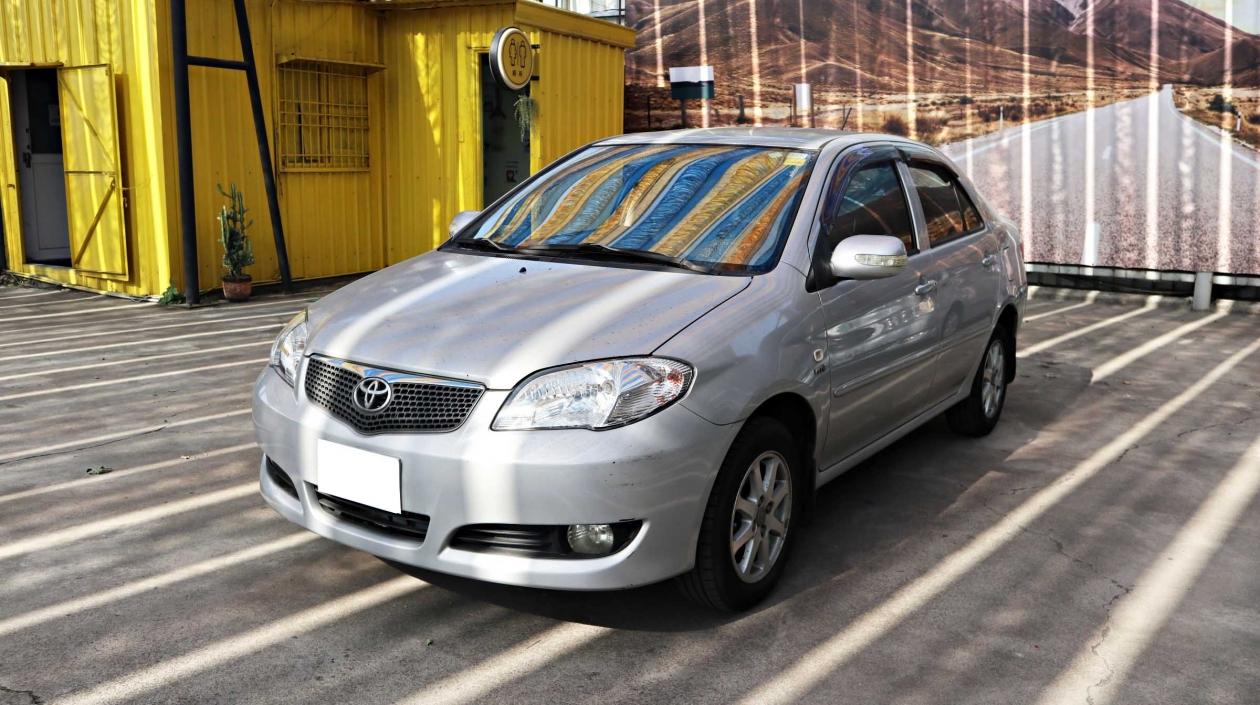 2007年 Toyota Vios 銀色 福斯中古車